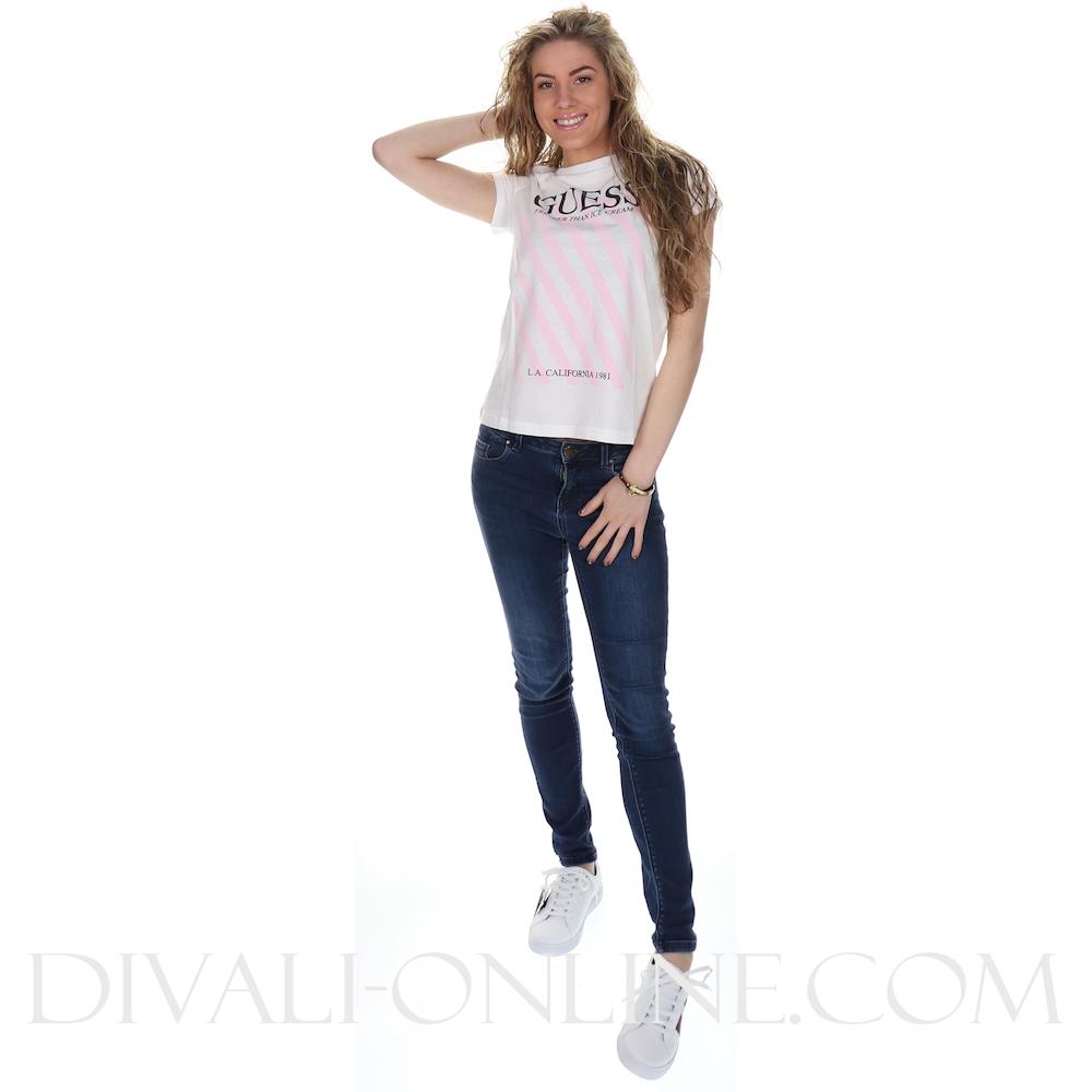 T-shirt Fresher than.. True White