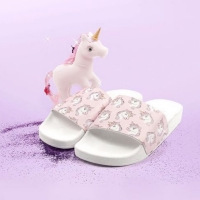 THE WHITEBRAND Slippers Unicorns