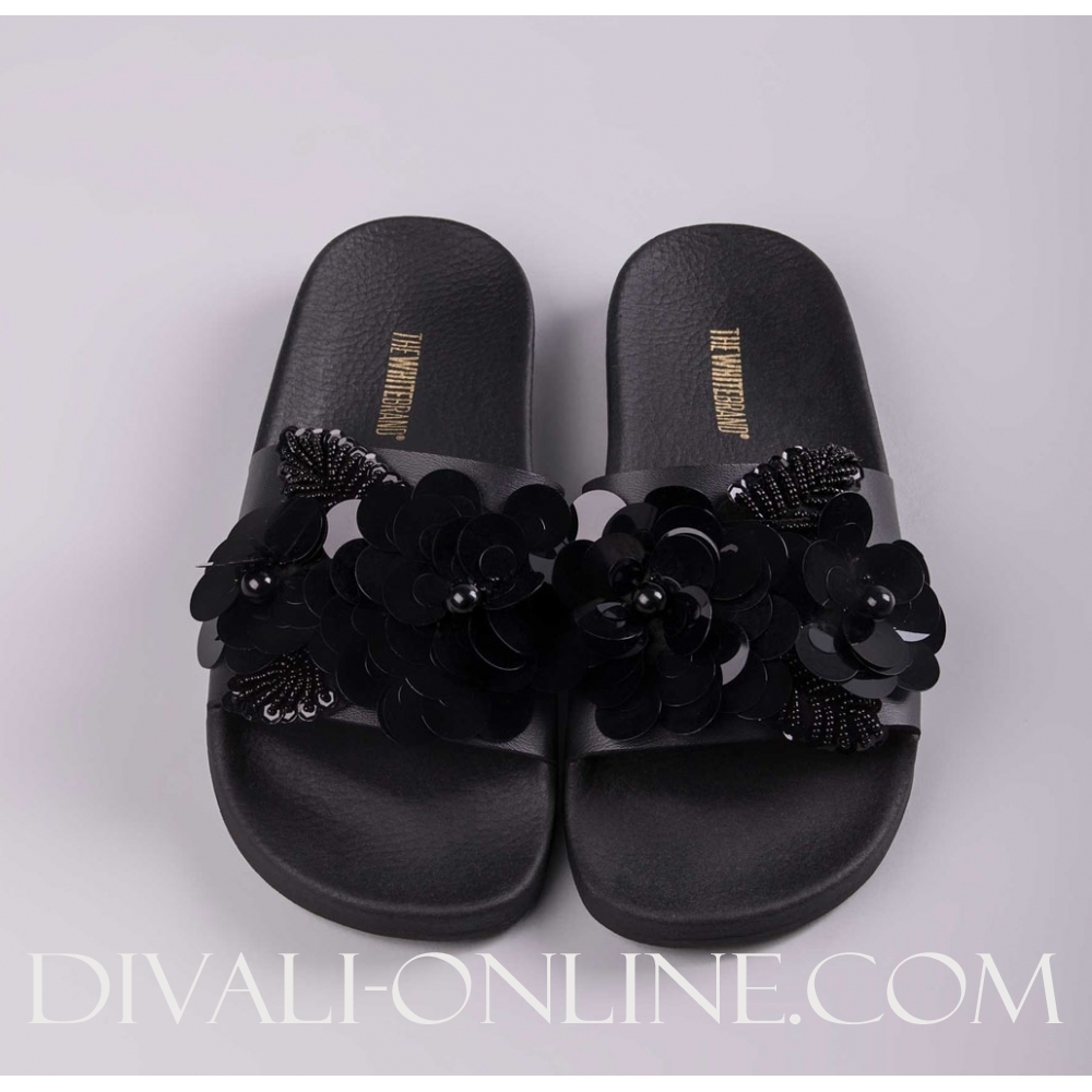 Slipper Flower Black